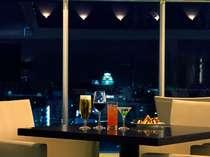 ホテル最上階 バーラウンジ「夜間飛行」