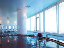【大浴場:フィットネスジム内】宿泊特典にて無料でご利用いただけます。