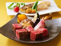 「鉄板焼 しゃぶしゃぶ ステーキハウス 桂」で、鉄板焼きディナーをお楽しみいただけます。