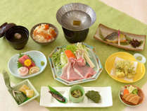 【Aコース】夕食は昆布の御出汁で頂く豚ロースのしゃぶしゃぶ鍋◆静寂に包まれた草木湖畔の一軒宿で過ごす