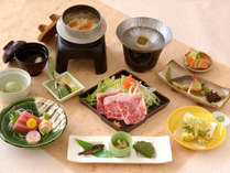 【Bコース】夕食のメインは国産牛のしゃぶしゃぶ鍋!お風呂に浸かった後は、自慢の料理に舌鼓<2食付>