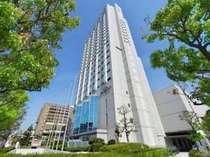 ホテル外観地上22階建てのビルが一際目立つ阪神エリアのランドマークホテル