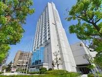 ホテル外観地上22階建てのビルが一際目立つ阪神エリアのランドマークホテル!