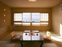 *和室一例、統一感のある色調は落ち着いた雰囲気で、縁なし畳もモダンでおしゃれ。