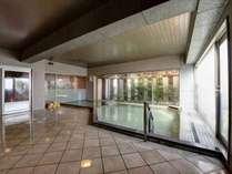 *鴨川温泉なぎさの湯/泉単純アルカリ硫黄冷鉱泉、男女浴場は広々とした作り