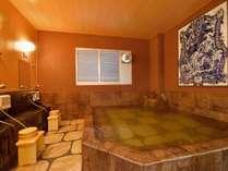 天然温泉100%の大浴場