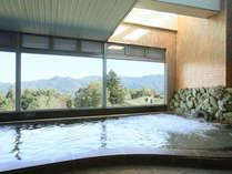 【お風呂】手足を伸ばして、自然を眺めながらゆくりとしてくださいね。