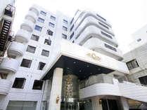仙台駅より徒歩4分と、便利な立地が魅力のホテルです。