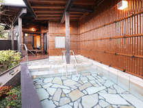 もちろんお部屋の専用露天風呂は掛け流しの温泉♪好きな時に好きなだけ入れる贅沢。。