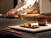 *【夕食一例:向付】北陸の旬食材をふんだんに使用しております。