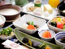 朝食【和食膳】★身体にやさしい食材を品数を多く♪