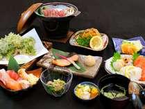 【夕食一例/スタンダードプラン】こちらは11月からのお料理です。海の幸・山の幸をお楽しみください。
