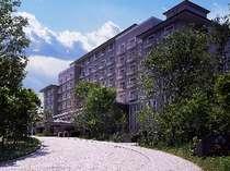 房総の豊かな緑の中に佇むリゾートホテル