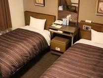 スタンダードツイン☆ベッドが2つございます。