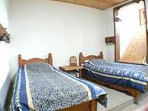 例、ツインルームです。私の作ったベットの寝心地は良いですよ。
