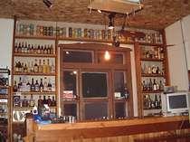 お酒の種類に自信あり。いつもある生ビール・芋焼酎50種類・バーボン・カクテル50種・リキュール多数…