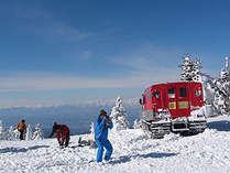 根子岳雪上車ツアー「スノーキャット」で2207mの山頂へ!!