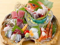 ≪人気No1創作刺し盛り≫その日に揚がった天然地魚の刺し盛り付き!南房総の地のもの創作料理