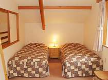 夏、お二人限定、森の静かな貸別荘に泊まる連泊割引プラン