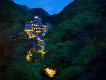 *会津の名所「伏見ヶ滝」有する、絶景露天風呂と貸切風呂が自慢の湯宿です♪