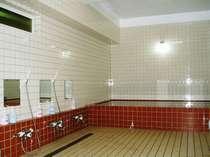 お風呂16時から22時まで利用できます。