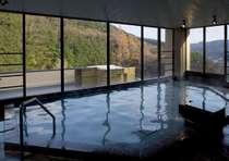 6階 展望大浴場【温泉】源泉豊富な湯あみと四季折々の眺望をご堪能下さい。