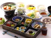 ご夕食【お重とミニブッフェ】サラダ・デザート・フルーツ・ドリンク・お食事はミニブッフェから