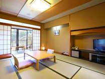 3~5階の純和室10畳の客室です。シャワートイレ・洗面付き【2020.4.1から全室禁煙です。】