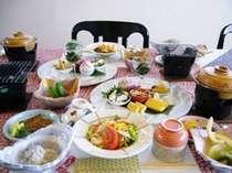 朝食(地元で採れた太刀魚やシラス★地元のお野菜がたっぷり)