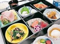 【和食セットメニュー】バイキングじゃない朝もあります。が、地元食材満載の和定食は満足度100%!