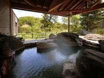 【女性露天】渓谷を望む絶景の露天風呂