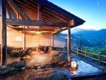 澄んだ空に満点の星空を望める絶景の露天風呂★効能抜群の天然100%です♪