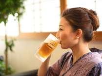 【ロビー・ラウンジ】こちらは有料(ToT)生ビール650円。でも、16時~18時は500円!