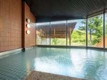 【女性大浴場】とろみのある泉質は、お肌にやさしく「美肌の湯」として、女性のお客様には特に好評です。