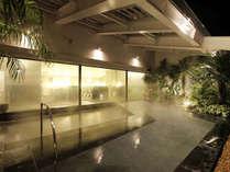 天然温泉付き大浴場『ほほえみの湯』(露天風呂)※有料/エミオンタワー