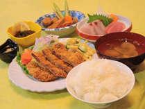 【夕食の一例】地元の味をご賞味ください。