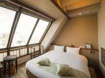 ダブルベッドのお部屋・シングル利用可能