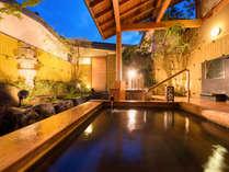 ■貸切風呂■夜には一味違った雰囲気。晴れた日には夜空を見上げて湯ったりと♪