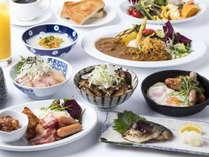 【朝食】メイン料理を1品選んで出来たて熱々を提供しております。サラダや郷土のお惣菜はビュッフェで♪