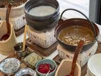 和食のプロが作る!名物「出汁カレー」その他大阪ならではの料理もご用意しております。
