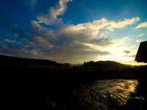 【芹川と自然】大浴場露天風呂からの景色