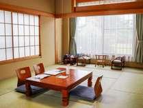 10畳の和室のお部屋です。
