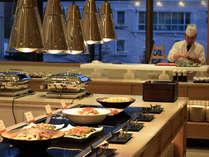 【ビュッフェダイニング雪国】かまくらをイメージした会場で、旬の食事をお楽しみください
