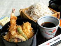 【食事処「いでゆそば」】喉越しの良い更科蕎麦と天丼のセット(税別1,200円)