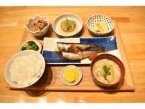 ☆五島の食材にこだわった朝食☆夕食は当ホテル2階の「酒と肴 大衆居酒屋きまぐれ」をご利用下さい。