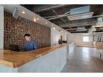 フロント※1階には3月オープン予定のカフェとコインランドリーがあります。