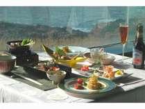 とっておきの日本海の景観と料理長自慢の海鮮創作料理をお楽しみ下さいませ