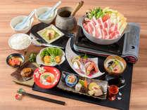 【久住高原豚鍋】久住高原豚を使った味噌仕立て鍋や、新鮮なお造り3点盛りは絶品!