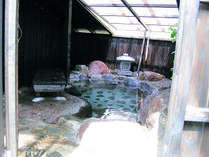 開閉式の露天風呂