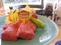 地産ブランド葉山牛サーロインを陶板で焼きで熱々を!人気です♪